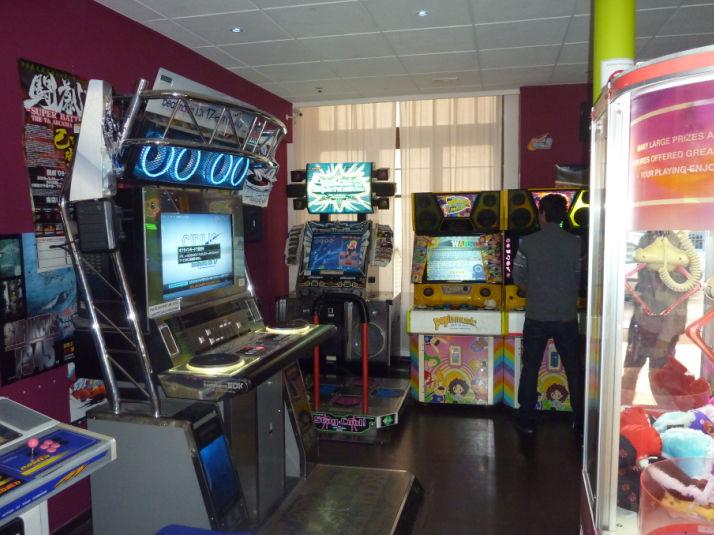 La salle d'arcade : le coin des bons copains