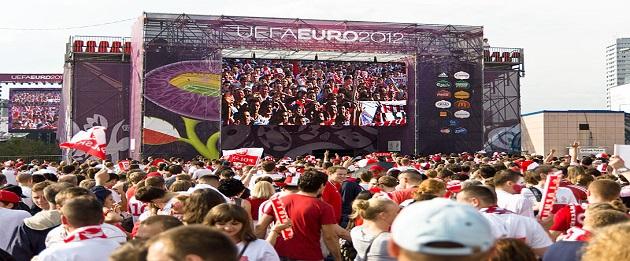 La fan-zone, lieu de passage pour les supporters
