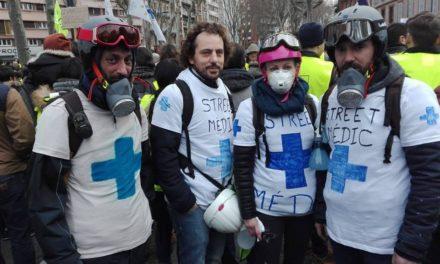 Gilets jaunes acte XI : une manifestation dans la peau des street medics